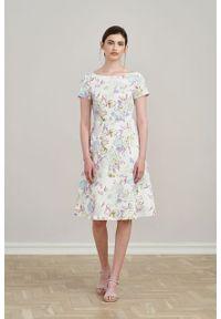 Marie Zélie - Sukienka Asteria Paeonia lilakowa. Materiał: materiał, bawełna, elastan. Wzór: gładki. Typ sukienki: trapezowe. Styl: klasyczny