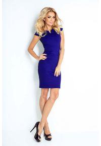 Numoco - Sukienka Klasyczna Dopasowana z Zakładkami - Chabrowa. Kolor: niebieski. Materiał: elastan, poliester. Styl: klasyczny