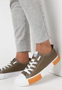 Born2be - Oliwkowe Trampki Castite. Wysokość cholewki: przed kostkę. Nosek buta: okrągły. Kolor: brązowy. Materiał: materiał, guma. Szerokość cholewki: normalna. Wzór: aplikacja