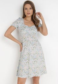 Born2be - Jasnoniebieska Sukienka Kilwen. Kolor: niebieski