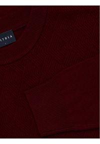 Czerwony sweter klasyczny