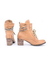 Zapato - botki - skóra naturalna - model 451 - kolor camelowy. Wysokość cholewki: za kostkę. Materiał: skóra. Sezon: wiosna, zima, jesień. Obcas: na obcasie. Styl: rockowy, klasyczny, elegancki, boho. Wysokość obcasa: średni