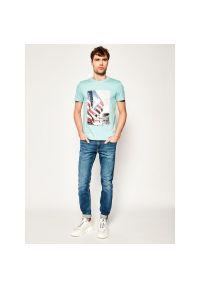 Niebieski t-shirt TOMMY HILFIGER z nadrukiem