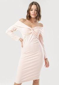 Born2be - Jasnoróżowa Sukienka Aninise. Kolor: różowy