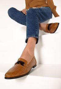 Born2be - Camelowe Mokasyny Ellise. Wysokość cholewki: przed kostkę. Nosek buta: okrągły. Zapięcie: bez zapięcia. Materiał: skóra. Szerokość cholewki: normalna. Wzór: aplikacja. Obcas: na płaskiej podeszwie. Styl: elegancki