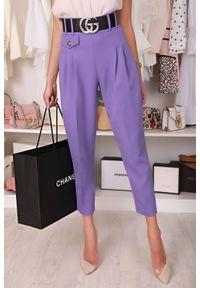 Fioletowe spodnie IVET do pracy, w kolorowe wzory