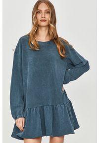 Niebieska sukienka Answear Lab prosta, z długim rękawem, wakacyjna, na co dzień