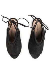 Czarne szpilki Eva Longoria na szpilce
