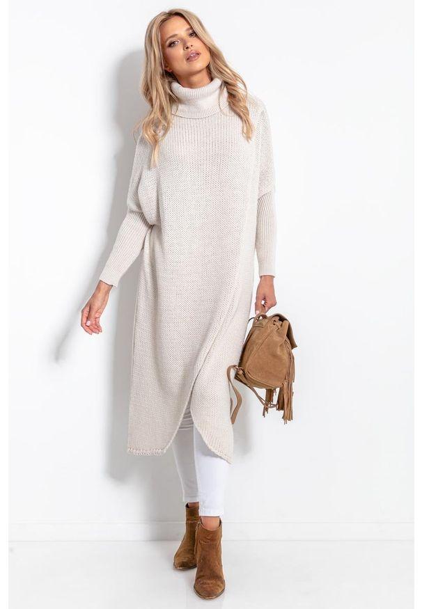 Beżowy sweter Fobya długi, z kopertowym dekoltem