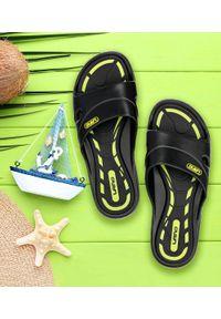 LANO - Klapki młodzieżowe basenowe Lano KL-3-3060-1 Czarne. Okazja: na plażę. Zapięcie: bez zapięcia. Kolor: czarny. Materiał: guma. Obcas: na obcasie. Wysokość obcasa: niski. Sport: pływanie