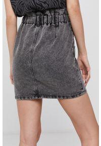 only - Only - Spódnica jeansowa. Okazja: na co dzień. Stan: podwyższony. Kolor: szary. Materiał: jeans. Styl: casual