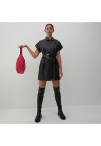 Reserved - Sukienka z imitacji skóry - Czarny. Kolor: czarny. Materiał: skóra
