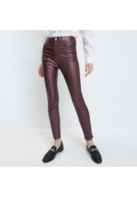 Mohito - Spodnie skinny - Fioletowy. Kolor: fioletowy