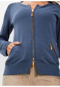 Sweter rozpinany bonprix indygo. Kolor: niebieski. Materiał: dzianina. Wzór: ze splotem. Styl: elegancki