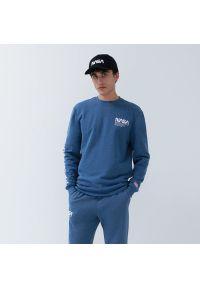 House - Melanżowa bluza NASA - Niebieski. Kolor: niebieski. Wzór: melanż