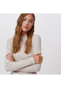 Beżowy sweter Cropp