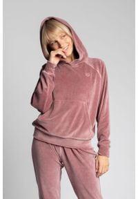 MOE - Welurowa Bluza Kangurka z Reglanowym Rękawem - Różowa. Kolor: różowy. Materiał: welur