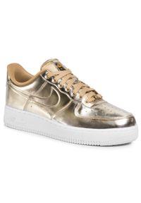 Złote buty sportowe Nike Air Force, z cholewką