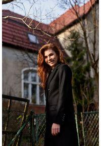 Marie Zélie - Płaszcz wełniany Debora czarny. Kolor: czarny. Materiał: wełna. Wzór: motyw zwierzęcy, ze splotem. Sezon: zima. Styl: klasyczny #8