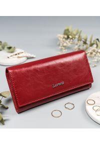 LORENTI - Portfel damski czerwony Lorenti 72401-RFID-BPR RED. Kolor: czerwony. Materiał: skóra