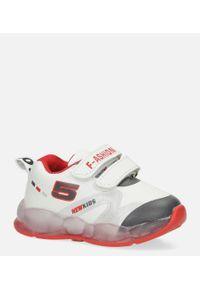 Białe buty sportowe Casu na rzepy