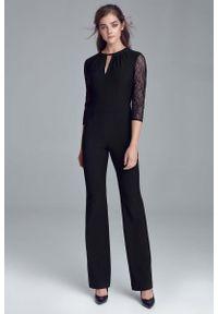 Czarny kombinezon Nife elegancki, w koronkowe wzory