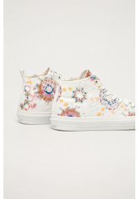 Desigual - Trampki. Nosek buta: okrągły. Zapięcie: sznurówki. Kolor: biały. Materiał: guma