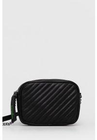 United Colors of Benetton - Torebka. Kolor: czarny. Materiał: pikowane. Rodzaj torebki: na ramię