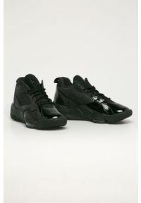 Czarne sneakersy Jordan z okrągłym noskiem, z cholewką, na sznurówki