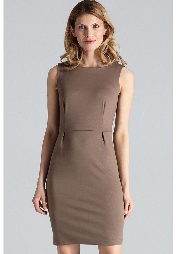 Figl - Dopasowana sukienka mini bez rękawa klasyczna mocca. Okazja: do pracy, na imprezę. Styl: klasyczny. Długość: mini