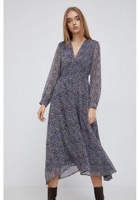 Pepe Jeans - Sukienka Clara. Kolor: niebieski. Materiał: tkanina. Długość rękawa: długi rękaw. Typ sukienki: rozkloszowane