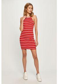 Czerwona sukienka Tommy Jeans casualowa, mini