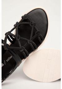 Czarne sandały melissa bez obcasa, na klamry