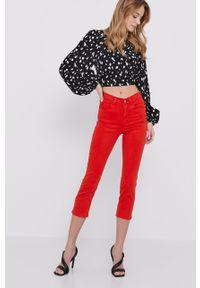 Czerwone jeansy Guess gładkie, z podwyższonym stanem