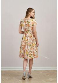 Marie Zélie - Sukienka Melania Suita kremowa. Kolor: kremowy. Materiał: bawełna, wiskoza, tkanina, materiał. Długość rękawa: krótki rękaw