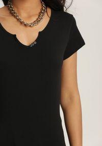 Renee - Czarny T-shirt Petomeine. Okazja: do domu, na co dzień. Kolor: czarny. Materiał: bawełna, dzianina. Długość rękawa: krótki rękaw. Długość: krótkie. Wzór: aplikacja. Styl: sportowy, casual