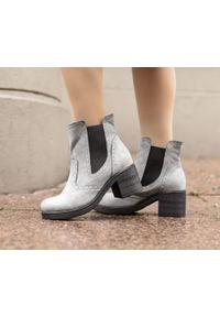 Szare botki Zapato na obcasie, na średnim obcasie, wąskie