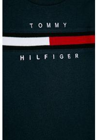 Niebieski t-shirt TOMMY HILFIGER na co dzień, z nadrukiem