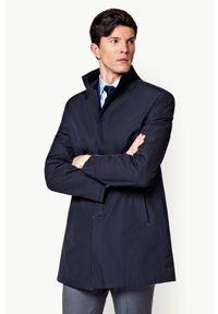Lancerto - Płaszcz Granatowy Massimiliano. Okazja: do pracy. Kolor: niebieski. Materiał: poliester, poliamid, jeans, materiał. Sezon: wiosna. Styl: klasyczny