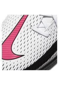 Buty halowe Nike Phantom GT Academy CK8467. Okazja: na uczelnię. Zapięcie: sznurówki. Materiał: guma, syntetyk. Szerokość cholewki: normalna