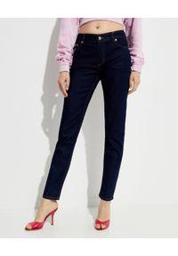Versace Jeans Couture - VERSACE JEANS COUTURE - Niebieskie spodnie jeansowe. Kolor: niebieski. Długość: długie. Wzór: aplikacja