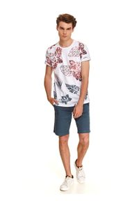 TOP SECRET - T-shirt z modowym nadrukiem. Kolor: biały. Wzór: nadruk