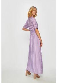 Fioletowa sukienka Glamorous z krótkim rękawem, prosta, casualowa
