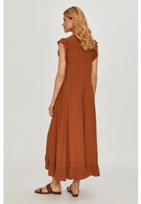 Beatrice B - Sukienka. Kolor: brązowy. Materiał: tkanina. Długość rękawa: na ramiączkach. Wzór: gładki