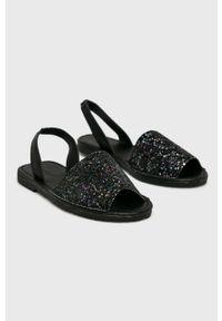 Czarne sandały Truffle Collection na średnim obcasie, na obcasie