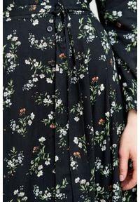 Marie Zélie - Sukienka Colette Danza. Materiał: wiskoza, skóra, materiał. Długość rękawa: długi rękaw. Wzór: gładki. Typ sukienki: szmizjerki. Styl: elegancki. Długość: midi