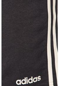 Niebieskie szorty Adidas sportowe