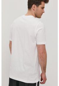 adidas Originals - T-shirt x The Simpsons. Okazja: na co dzień. Kolor: biały. Wzór: nadruk. Styl: casual
