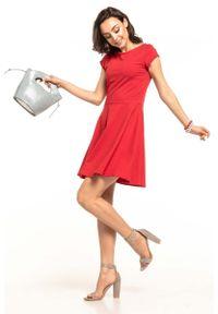 Czerwona sukienka rozkloszowana Tessita na lato