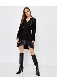 Pinko - PINKO - Czarna sukienka z frędzlami Guarino. Typ kołnierza: dekolt w kształcie V. Kolor: czarny. Materiał: tkanina, wiskoza. Wzór: gładki, aplikacja. Typ sukienki: asymetryczne
